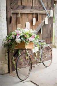 velo bicyclette decoration plante fleur composition florale charme de l ancien